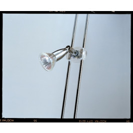 Illuminazione LED verticale con faretti per ENTRAMBI i lati per 5 piani