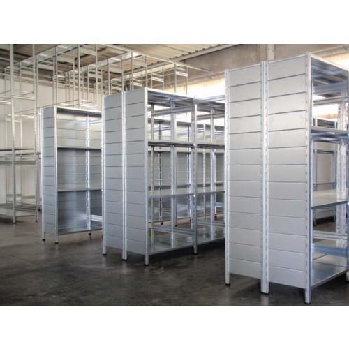 Modulo aggiuntivo scaffalatura di metallo per magazzino for Garage in metallo con planimetrie abitative