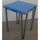 Tavolo metallico con piano Verniciato blu per casa cm. 60x60x75h