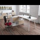 Postazione lavoro composta da scrivania e mobile contenitore cm. 160x160x81,5h