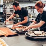 Tavolo in acciaio inox: la soluzione per il ristorante