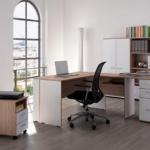 Come organizzare la scrivania: idee e consigli pratici